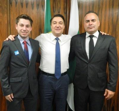 Gabriel, Giacobo e Aldair parceira para Matelândia.