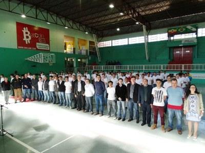 Vereadores participam de cerimônia de juramento à Bandeira