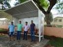 Novos pontos de ônibus foram instalados em diversas vias do município.