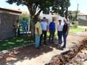 Vereadores de Matelândia acompanham obras no Bairro Vila Sapo.